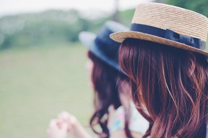 【レズビアンあるある】友達から恋人に…心理的にあり?なし?