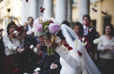 なるべく避けてた結婚式への出席