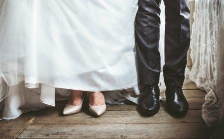 結婚式で何を着るの?