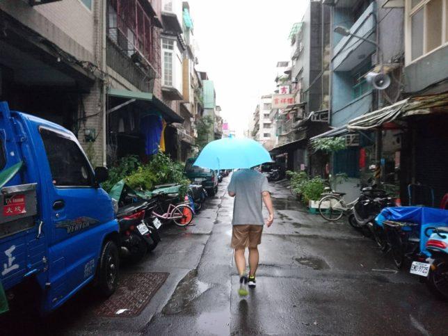 台風で飛行機が20時間遅延💦